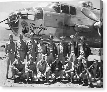 B-25 Bomber And Crew Canvas Print by Underwood Archives