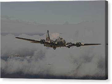 B17 Outbound - 'heavy Weather' Canvas Print by Pat Speirs