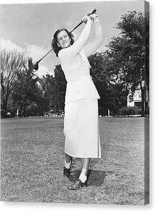 Babe Didrikson Golfing Canvas Print by Underwood Archives
