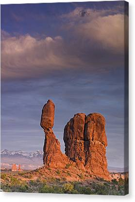 Balanced Rock At Sunset Canvas Print