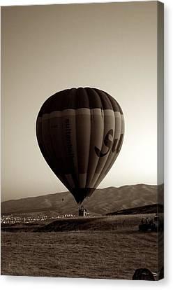 Balloon2 Canvas Print by Ernesto Cinquepalmi