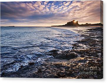 Bamburgh Castle Canvas Print by Rod McLean