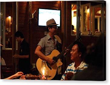 Band At Palaad Tawanron Restaurant - Chiang Mai Thailand - 01136 Canvas Print