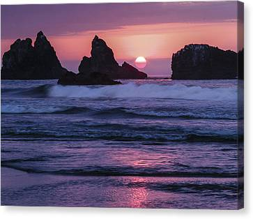 Bandon Beach Sunset Canvas Print by Jean Noren