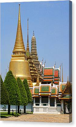 Bangkok Grand Palace Achitecture Canvas Print by Linda Phelps
