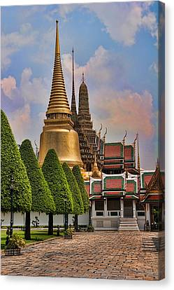 Bangkok Palace Temple 3 Canvas Print