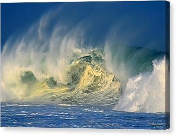 Canvas Print featuring the photograph Banzai Pipeline Crashing Wave by Aloha Art