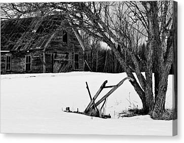 Barn And Plow Jefferson Nh Canvas Print by Jeff Sinon