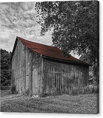Barn At Avenel Plantation - Red Roof Canvas Print by Steve Hurt