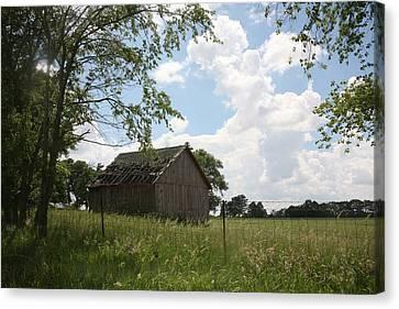 Barn Near Centralia Missouri Canvas Print