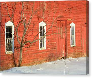 Canvas Print featuring the photograph Barnwall In Winter by Rodney Lee Williams