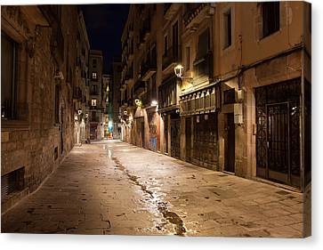 Barri Gotic At Night In Barcelona Canvas Print by Artur Bogacki