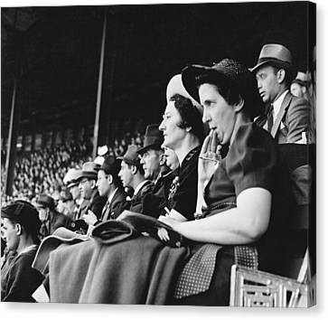 Baseball Fans At Polo Grounds Canvas Print by Underwood Archives