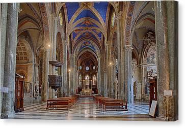 Basilica Di Santa Maria Sopra Minerva Canvas Print by Uri Baruch
