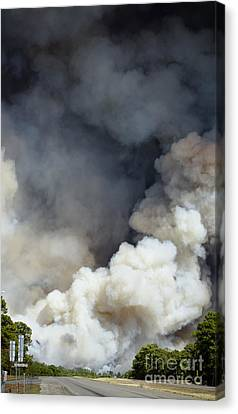 Bastrop Wildfire Crosses Hwy 71 Canvas Print
