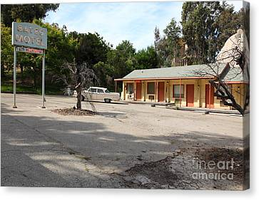 Bates Motel 5d28624 Canvas Print by Wingsdomain Art and Photography
