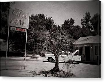 Bates Motel Canvas Print by RicardMN Photography