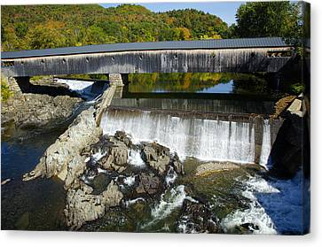 Bath Haverhill Covered Bridge In Autumn Canvas Print