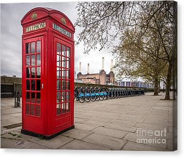 Battersea Phone Box Canvas Print by Matt Malloy