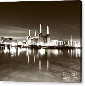 Canvas Print featuring the photograph Battersea Power Station by Mariusz Czajkowski