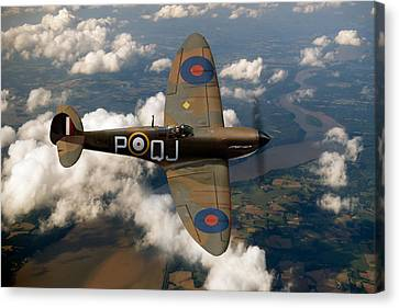 Battle Of Britain Spitfire Canvas Print by Gary Eason