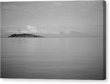 Be Still My Ocean  Canvas Print