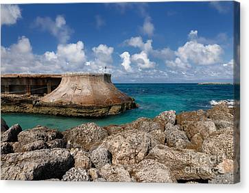 Atlantis Canvas Print - Beach And Sea Wall At Atlantis Resort by Amy Cicconi