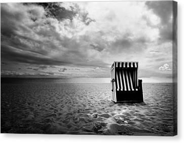 Beach Chair Canvas Print by Marc Huebner
