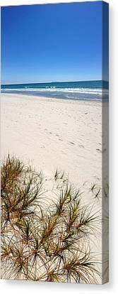 Beach Canvas Print by Les Cunliffe