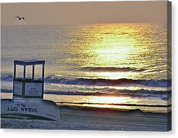 Beach Sunrise Canvas Print by John Wartman