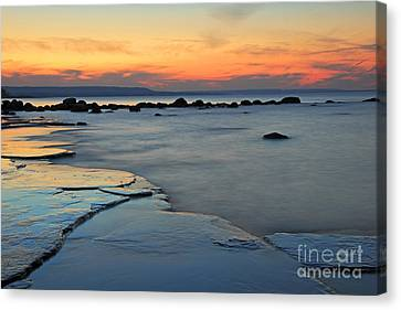 Beach Sunset Canvas Print by Charline Xia