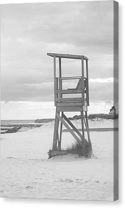Beach Throne Harwich Ma Bw I Canvas Print by Suzanne Powers