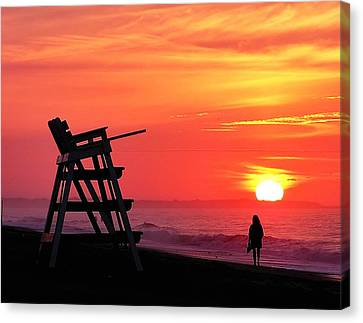 Beach Walk At Dawn Canvas Print by Nick Zelinsky