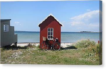 Beachhouse3 Canvas Print by Susanne Baumann