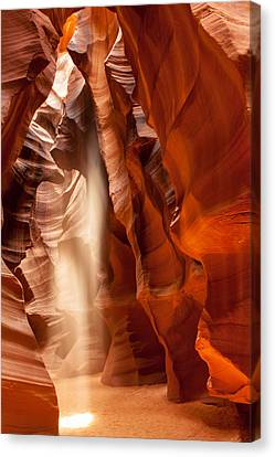 Beam Of Light In Upper Antelope Canyon Canvas Print
