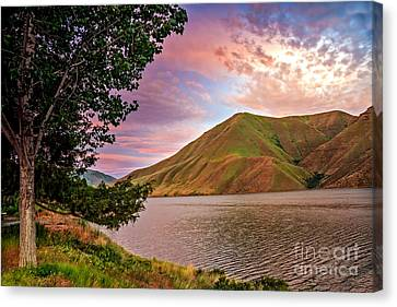 Beautiful Sunrise Canvas Print by Robert Bales
