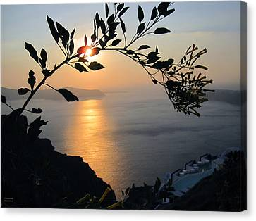 Beautiful Sunset In Santorini Canvas Print by Alexandros Daskalakis