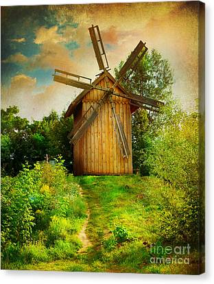 Canvas Print featuring the photograph Beautiful Windmill by Boon Mee