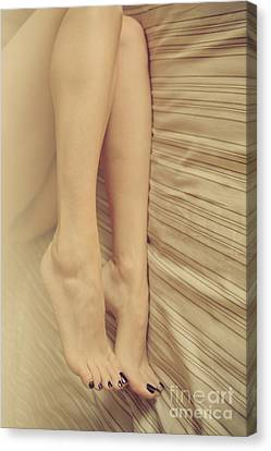 Beauty In Her Feet Canvas Print by Tos