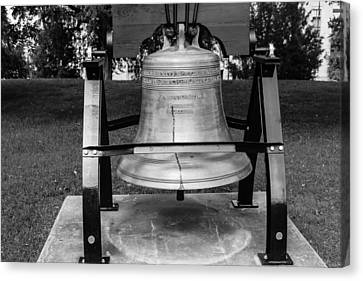 Canvas Print featuring the photograph Bell At Tn State Capitol by Robert Hebert