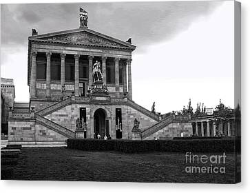 Berlin - National Gallery - Black And White Canvas Print by Gregory Dyer
