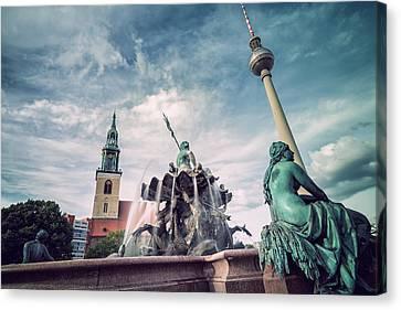 Berlin - Neptune Fountain Canvas Print by Alexander Voss