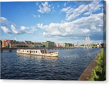 Berlin - Osthafen Spree River Canvas Print by Alexander Voss