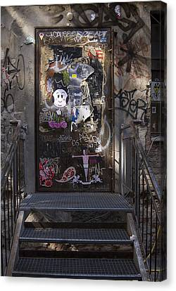 Berlin Graffiti - 2  Canvas Print by RicardMN Photography