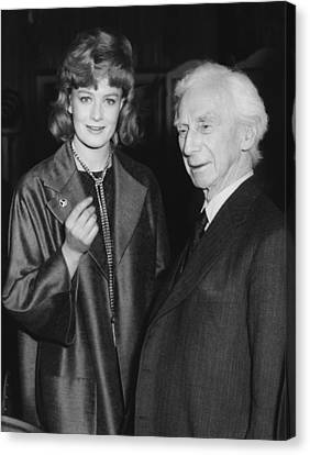Bertrand Russell And Redgrave Canvas Print by Underwood Archives