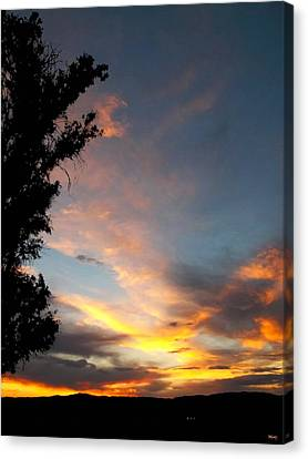 Between Night And Day Canvas Print by Glenn McCarthy Art and Photography