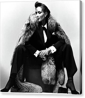 Beverly Johnson Wearing A Pantsuit And Fur Coat Canvas Print