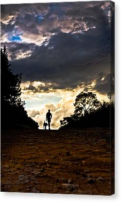 Beyond The Horizon Canvas Print by Junior Amojr