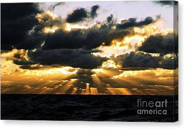 Crepuscular Biblical Rays At Dusk In The Gulf Of Mexico Canvas Print by Michael Hoard
