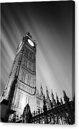 Big Ben London Canvas Print by Ian Hufton